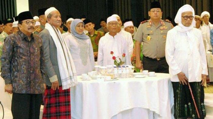 300 Ulama Sepuh Se-Jatim Mufakat Dukung Jokowi-Ma'ruf Amin